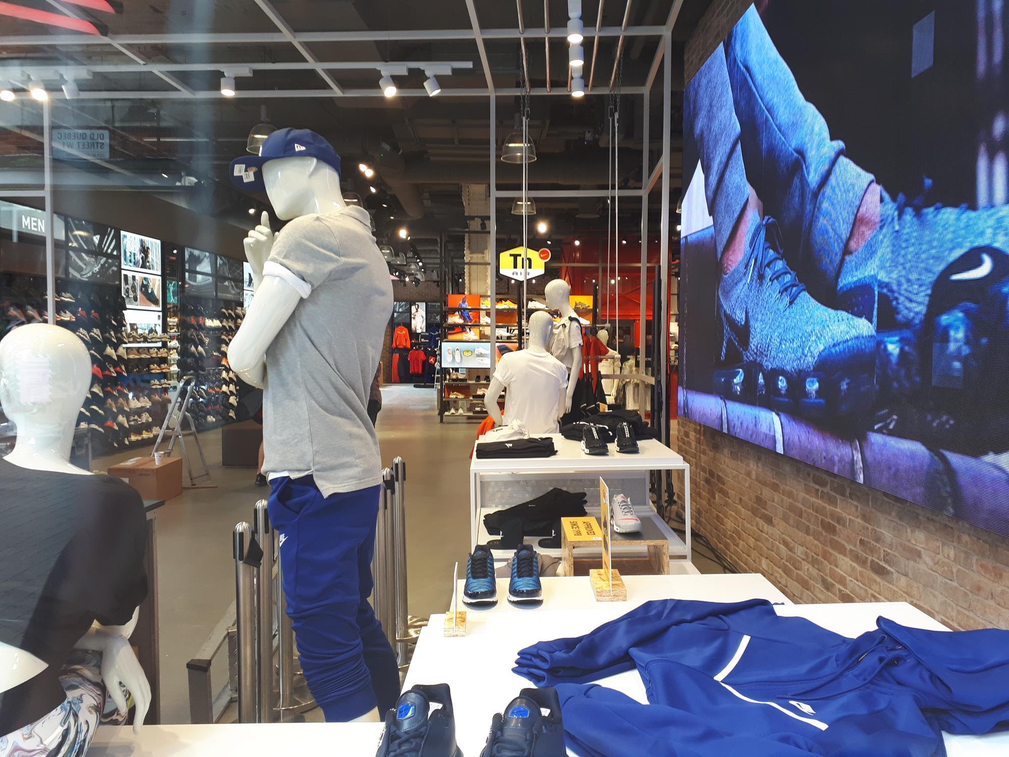 Store gallery Foot Locker s new London flagship