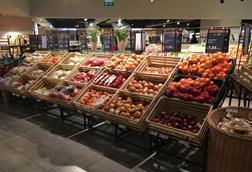 Dunnes veg aisle